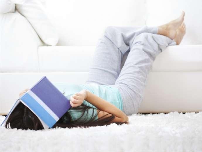 пятна на белом диване очистить