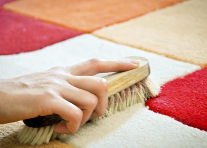почистить ковер от запаха