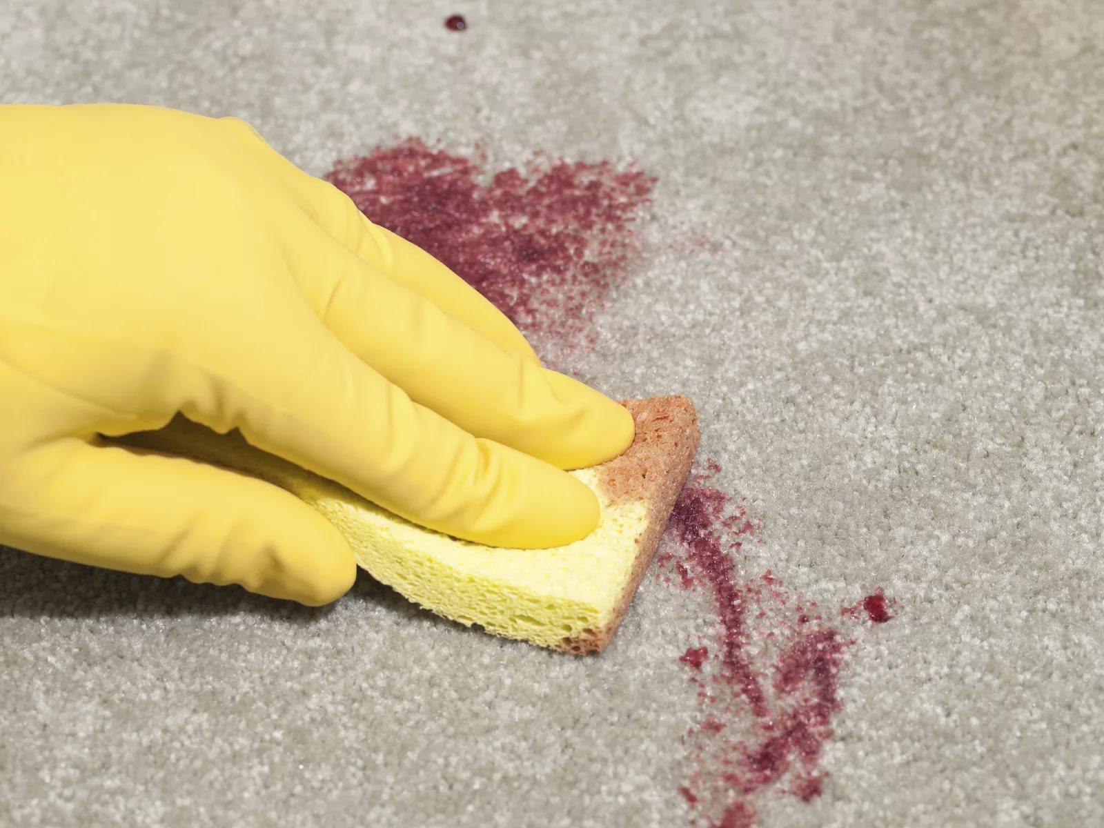 Как вывести старые пятна крови с матраса
